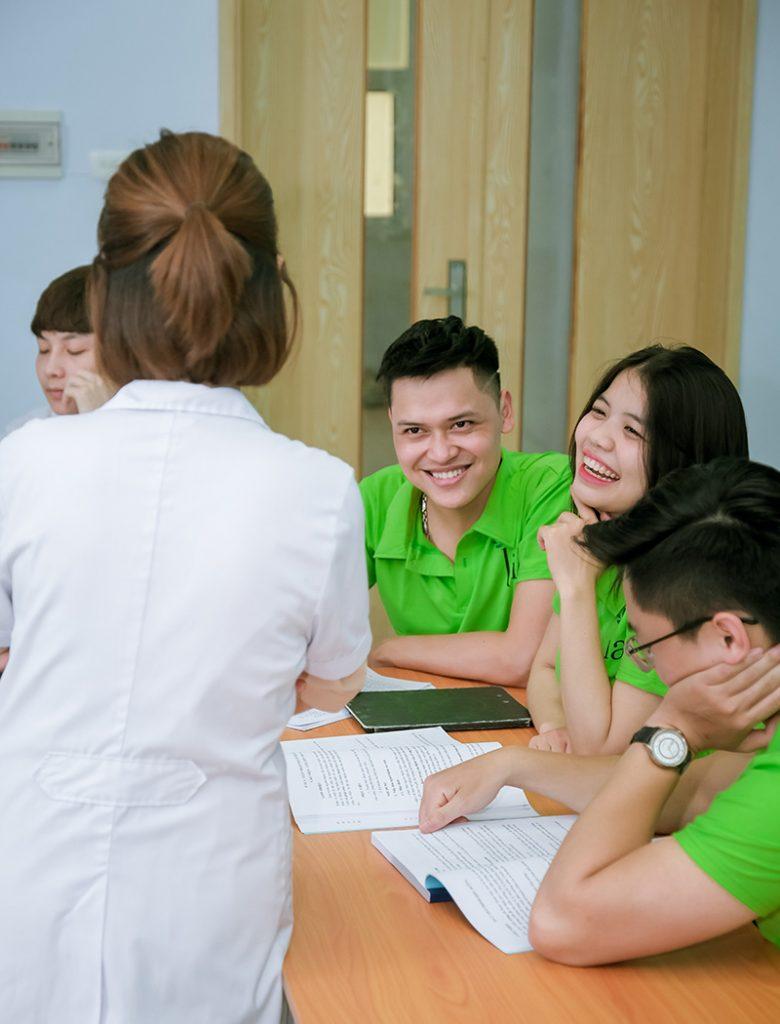 Học viên vui học lại trung tâm tiếng Đức LIA