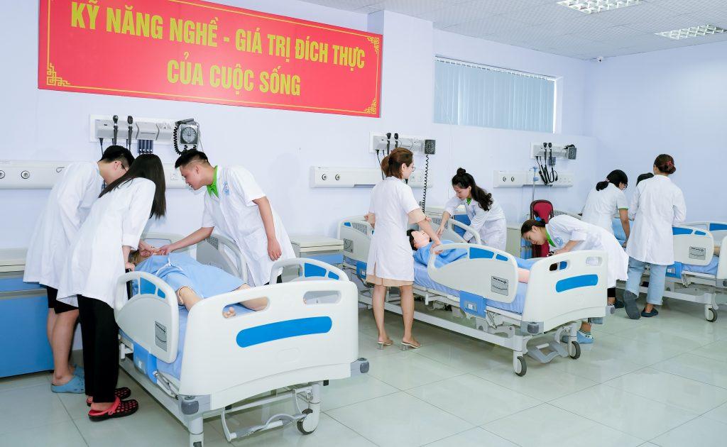 Auszubildenen aus Vietnam: Ausbildung zur Pflegefachkraft in Deutschland