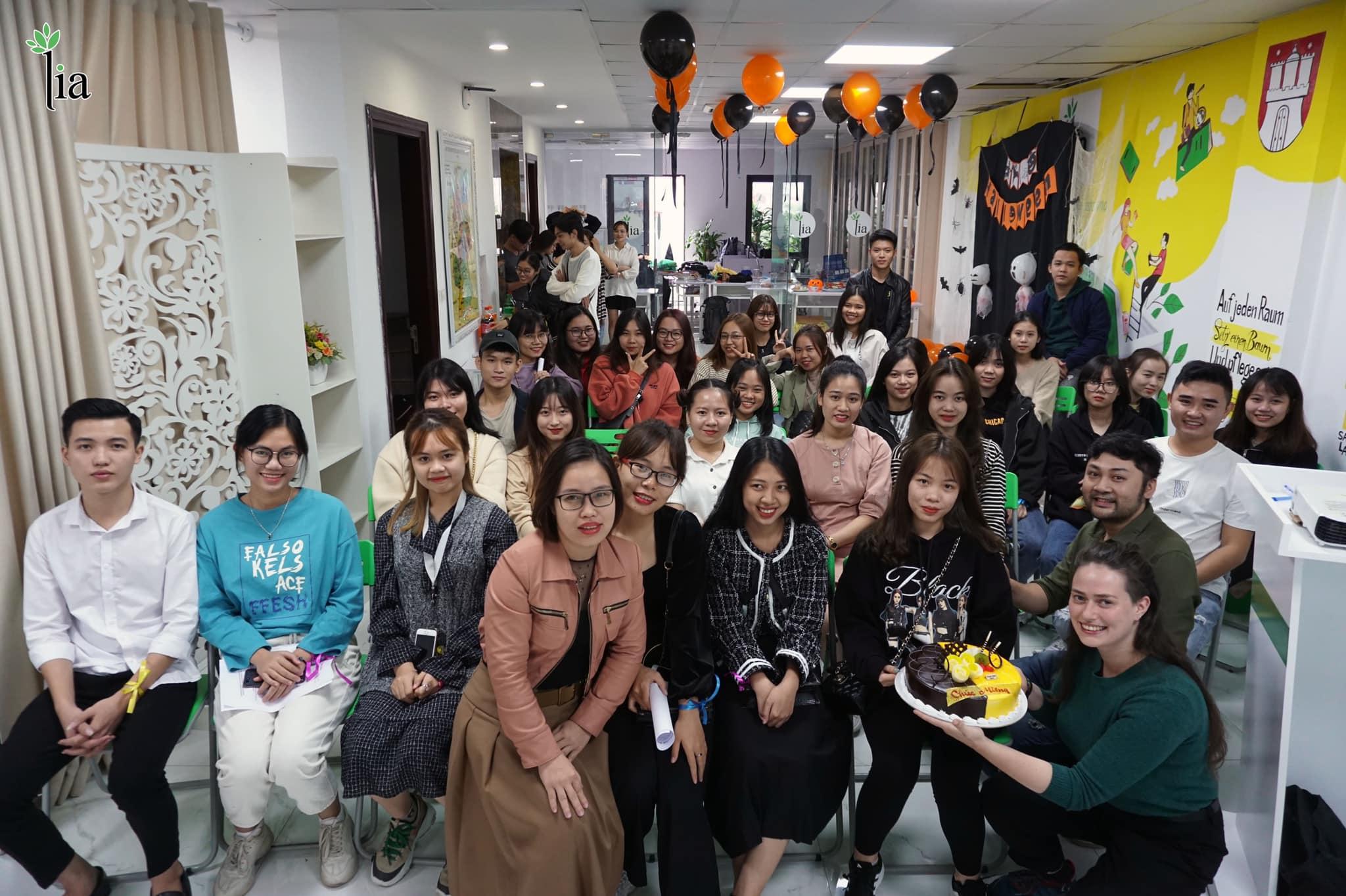 Sự kiện Halloween tại LIA thu hút đông đảo các bạn học viên.
