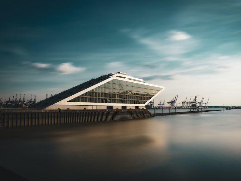 Tham quan bến Dockland - Hoạt động cuối tuần thú vị tại Hamburg