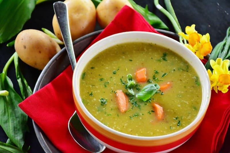Kham pha am thuc Duc soup khoai tay