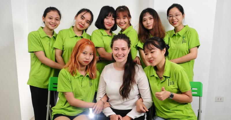 học viên tại trung tâm ngoại ngữ LIA học tiếng Đức với người bản xứ